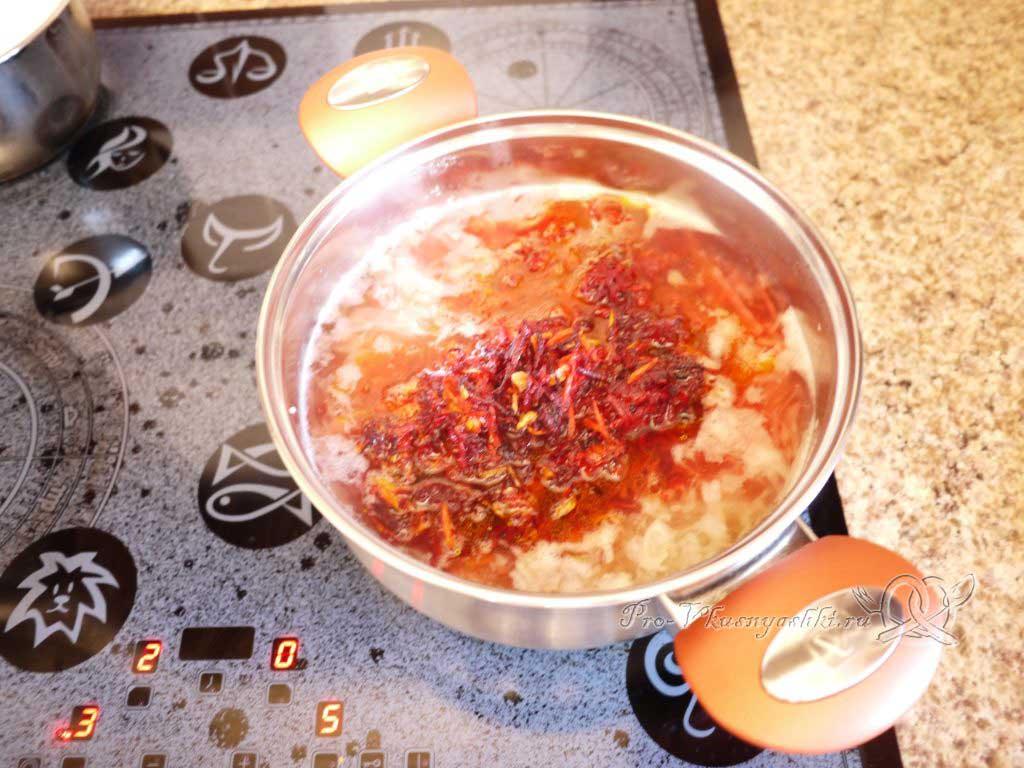 Вегетарианский борщ со свеклой - заправка зажаркой