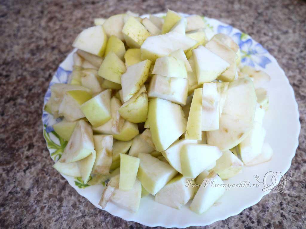 Яблочный пирог Шарлотка в духовке - нарезка яблок