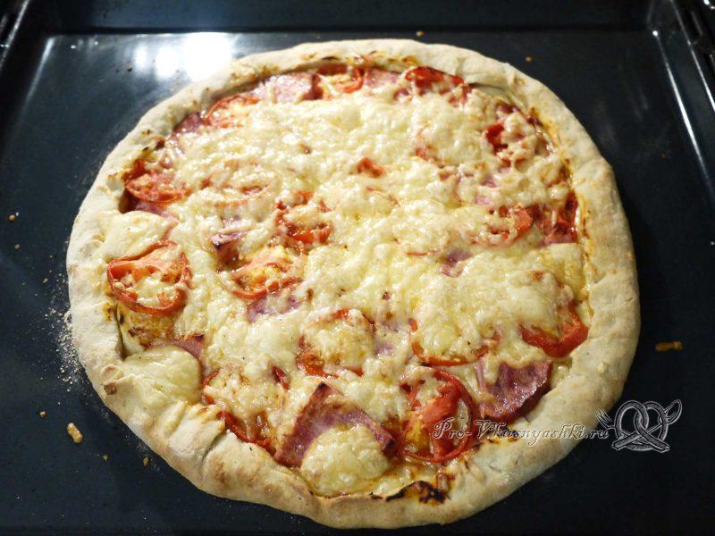 Пицца домашняя из сырно-чесночного теста готовая пицца