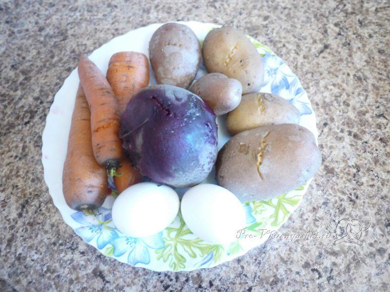 Селедка под шубой - вареные овощи и яйца