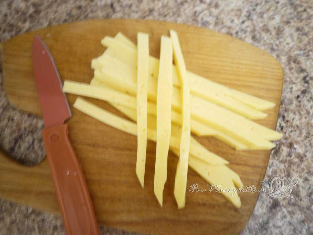 Роллы с курицей в домашних условиях - нарезка сыра