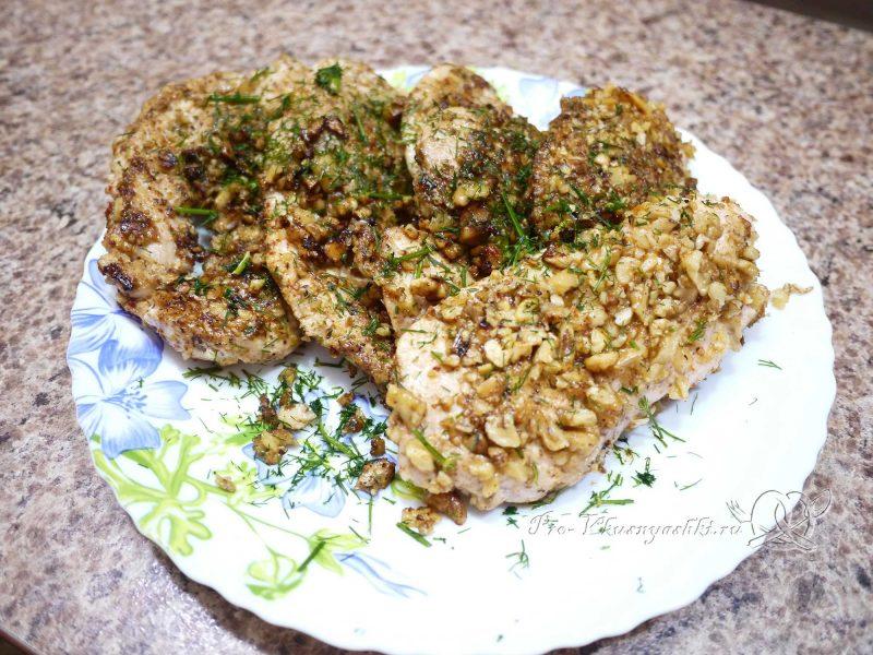 Курица с грецкими орехами - готовое блюдо