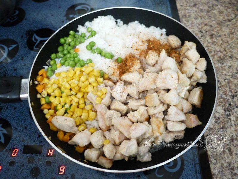 Ризотто - рис с курицей и овощами - смешиваем рис овощи и курицу