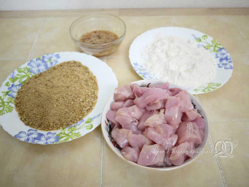 Куриные наггетсы в домашних условиях - подготовленные ингредиенты