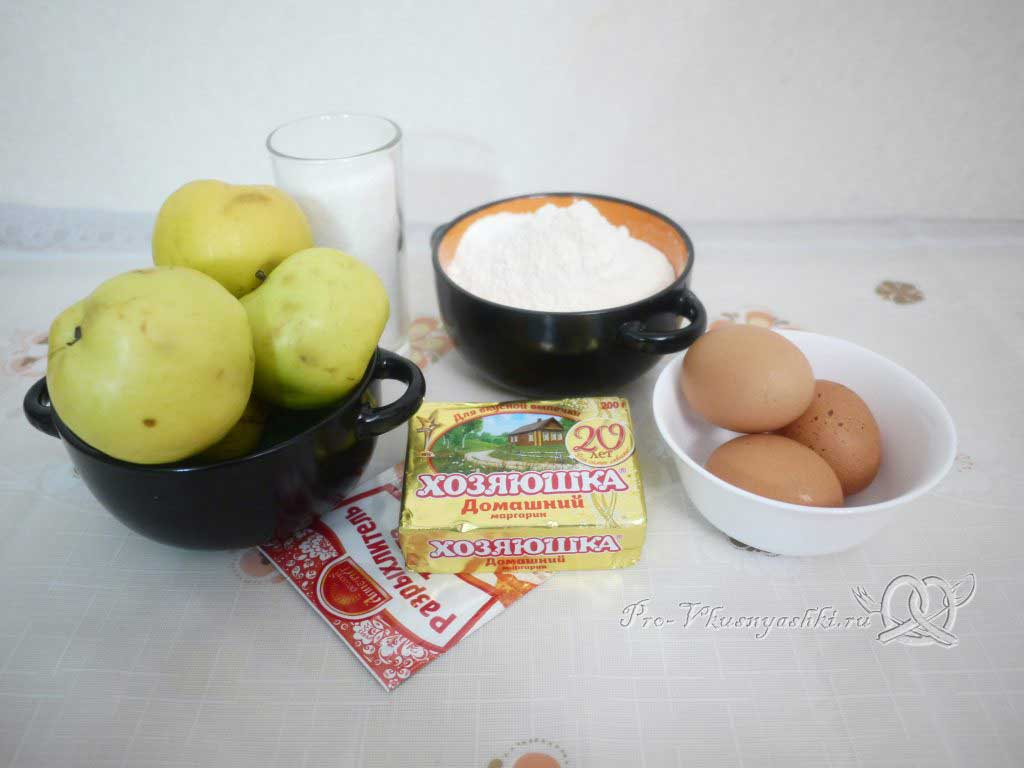 Шарлотка с яблоками из песочного теста - ингредиенты