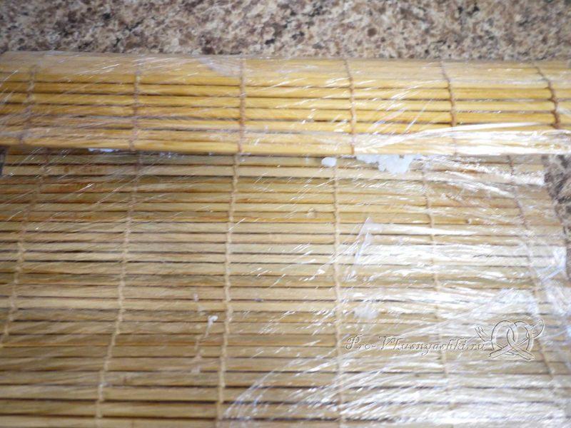 Суши - роллы с рисом наружу (урамаки) - сворачиваем ролл