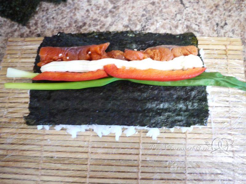 Суши - роллы с рисом наружу (урамаки) - роллы с луком