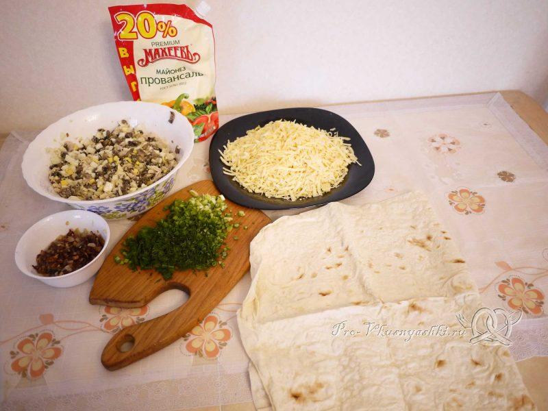 Рулет из лаваша с грибами, яйцом, курицей и сыром - подготовка