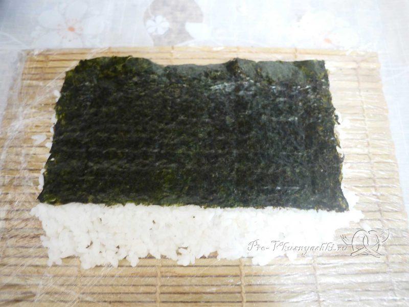 Суши - роллы Филадельфия в домашних условиях - переворачиваем рисом вниз