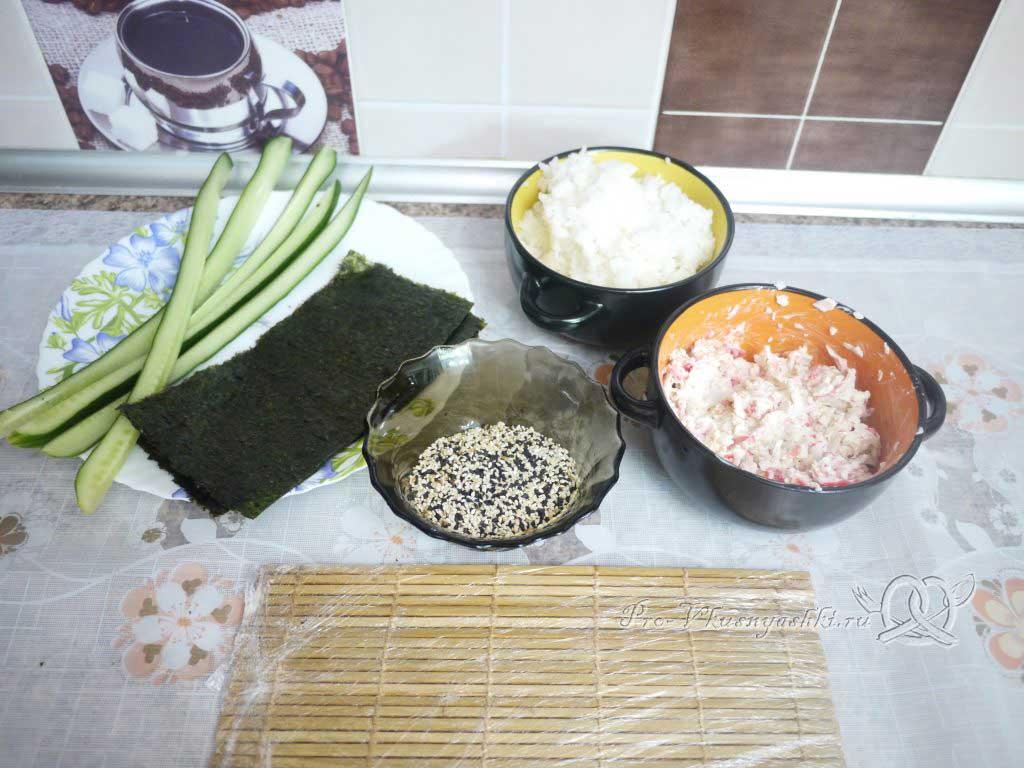 Роллы Калифорния в домашних условиях - подготовленные ингредиенты