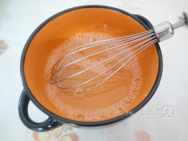 Кефирный торт со сметанным кремом и фруктами - замачиваем желатин