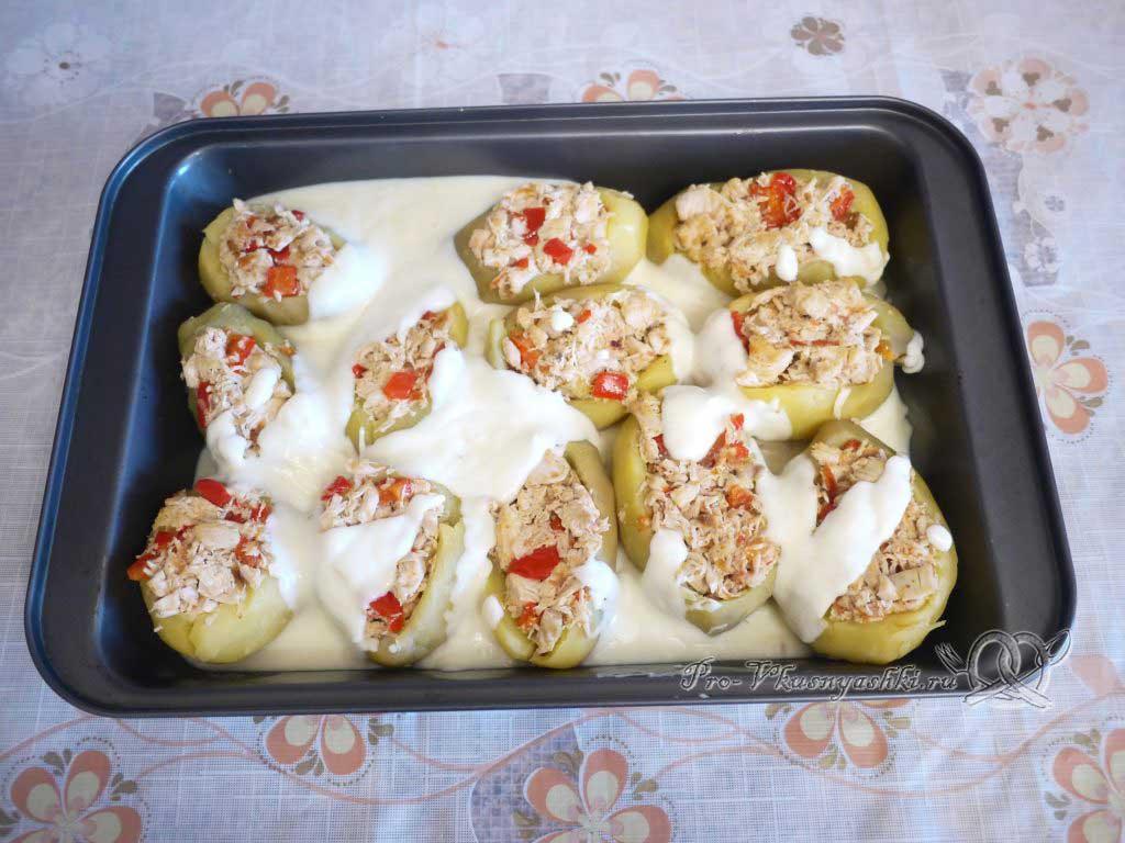 Фаршированный картофель запеченный в духовке - картофель в соусе