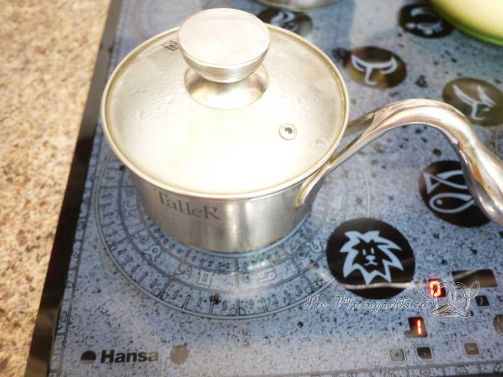 Фаршированные перцы с рисом в кастрюле - настаиваем рис