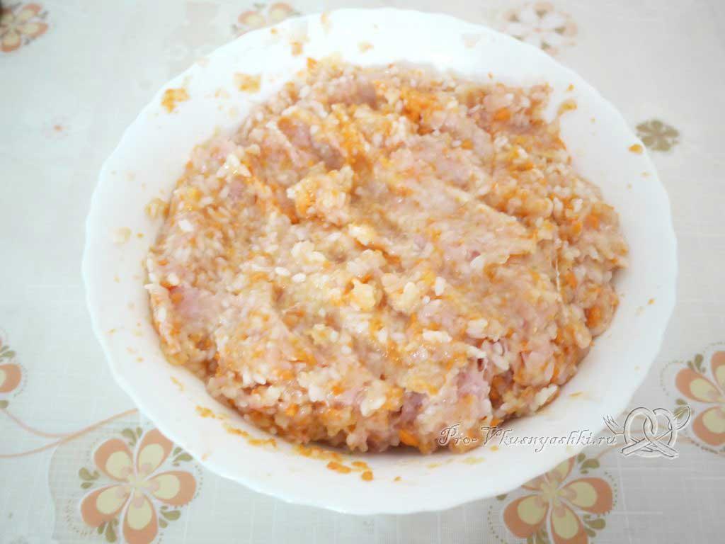 Фаршированные перцы с рисом в кастрюле - фарш