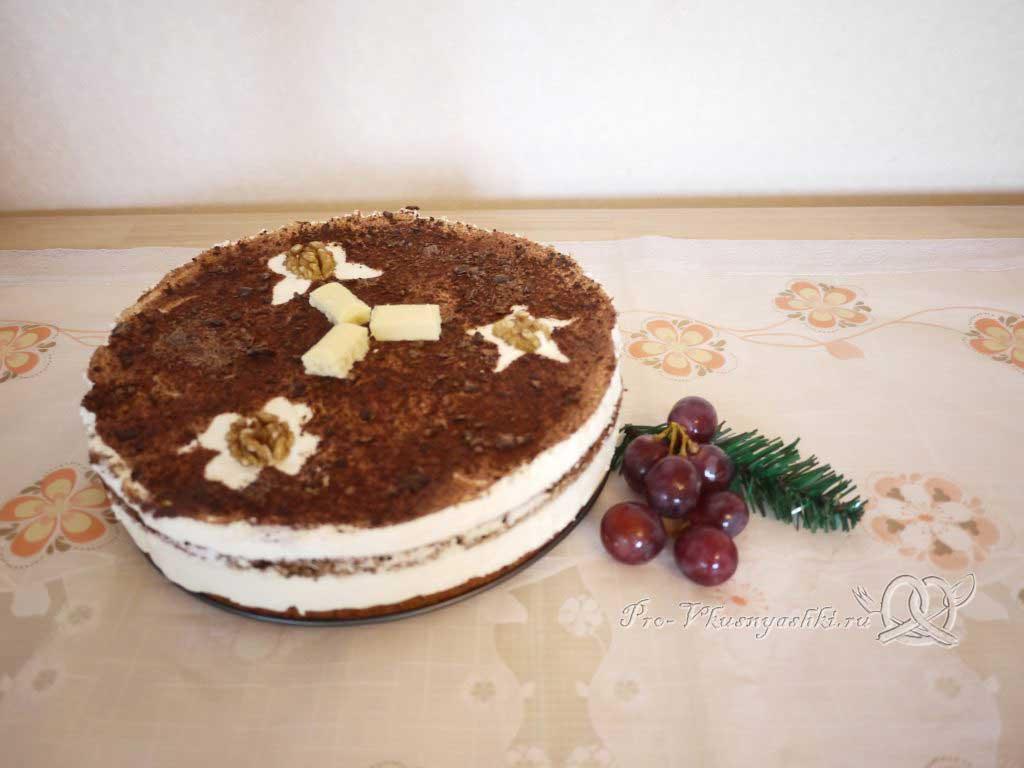 Маковый торт с йогуртом и шоколадом - готовый торт