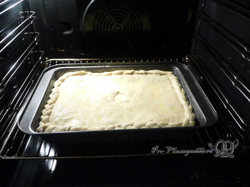Пирог с мясом курицы и сыром - ставим в духовку