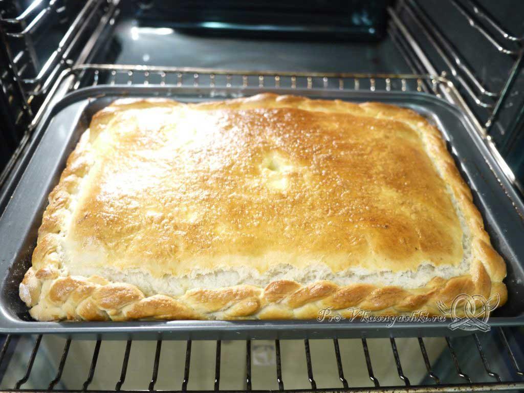 Пирог с мясом курицы и сыром - вынимаем из духовки