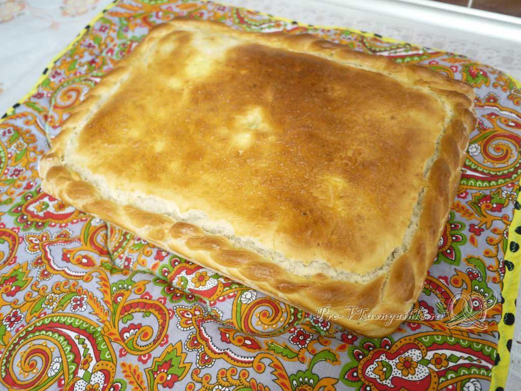 Пирог с мясом курицы и сыром - готовый пирог