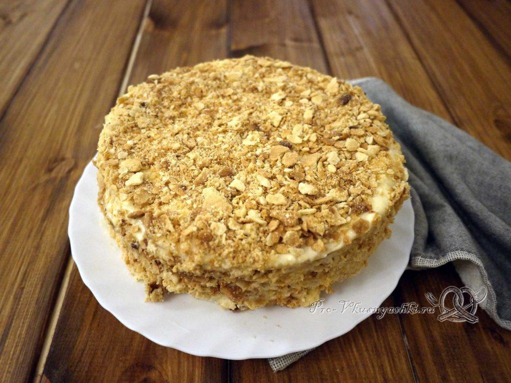 Торт «Любимчик Пашка» - посыпаем крошкой