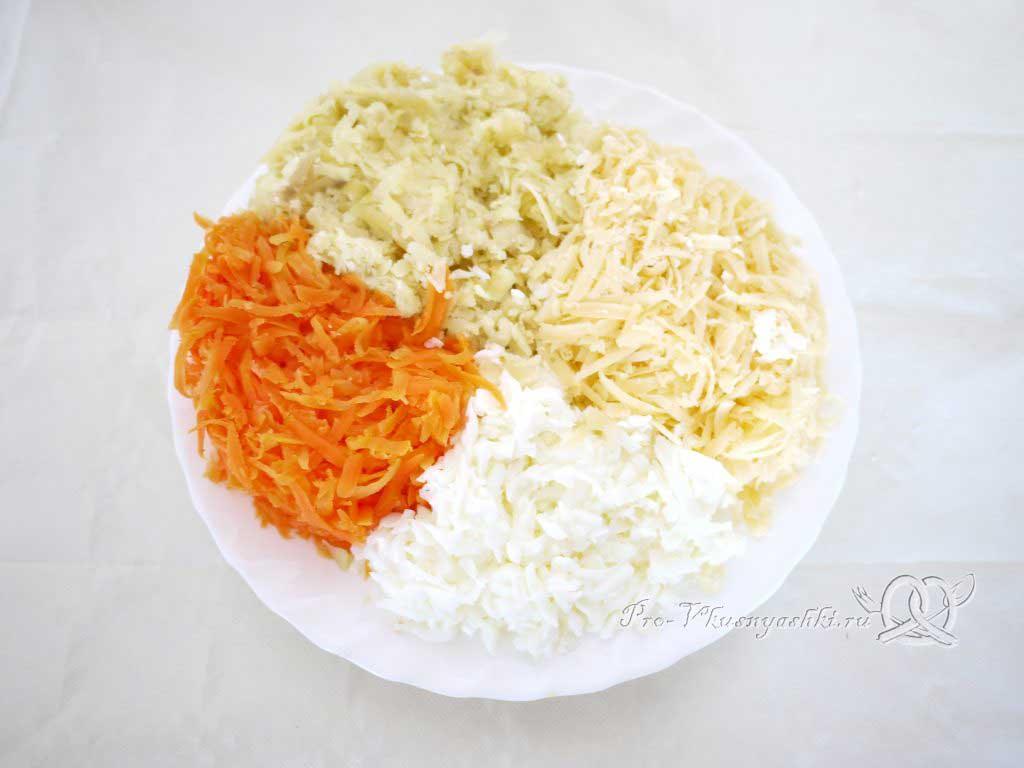 Салат Мимоза с сыром и яйцом - измельченные ингредиенты