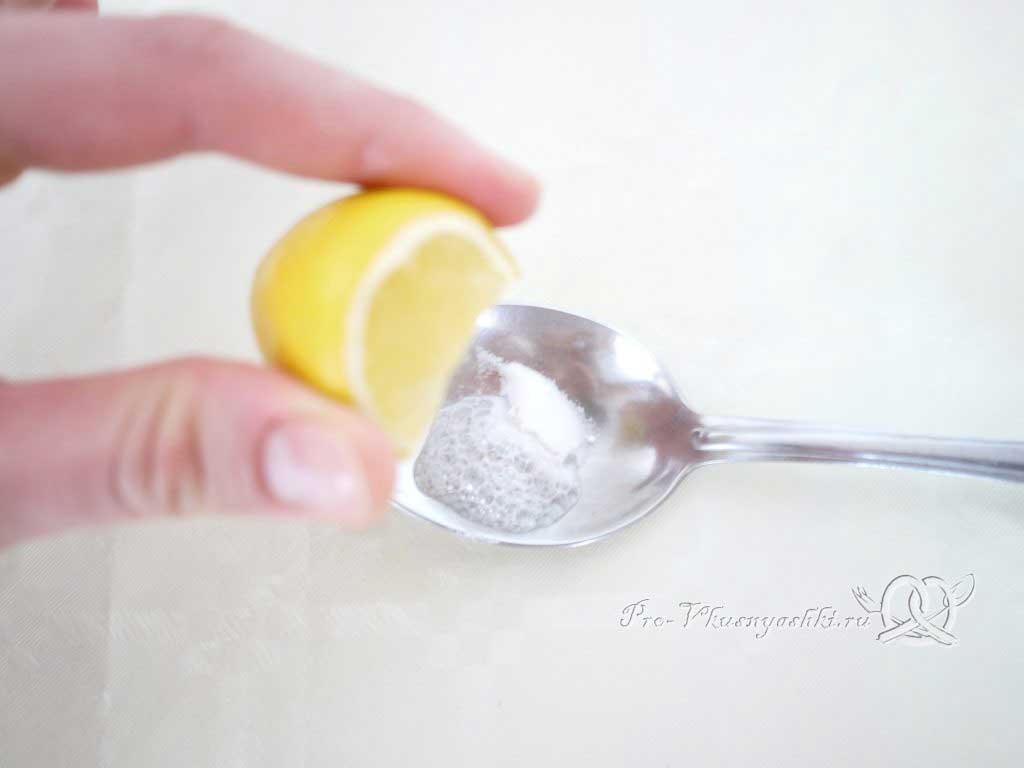Песочное печенье с вареньем и крошкой - гасим соду