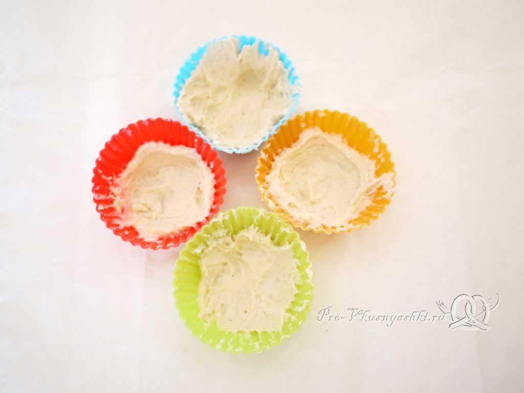 Песочное печенье с вареньем и крошкой - тесто в форме