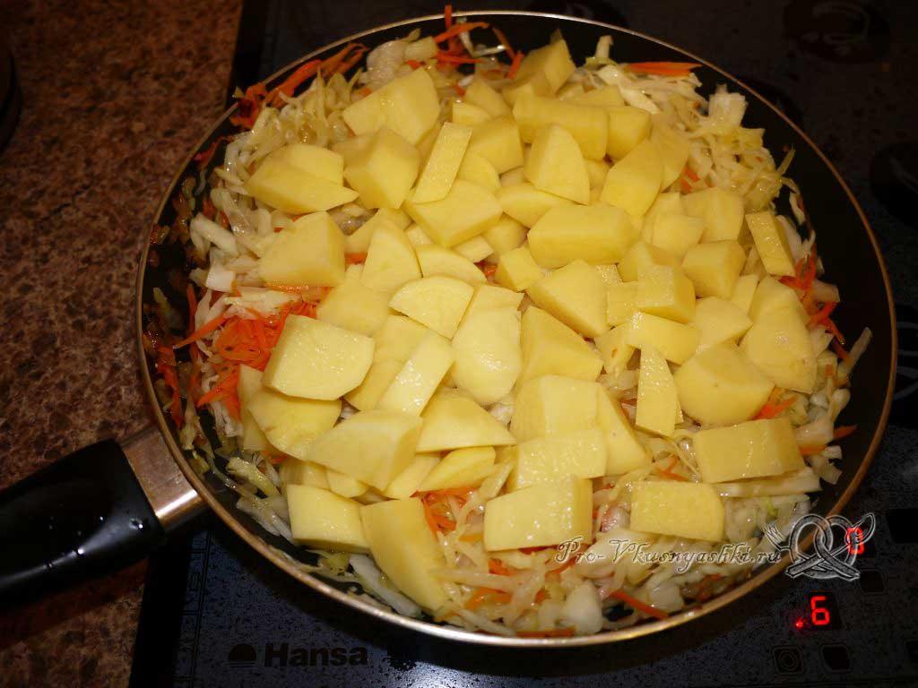 Тушеная капуста с картофелем - тушим картофель