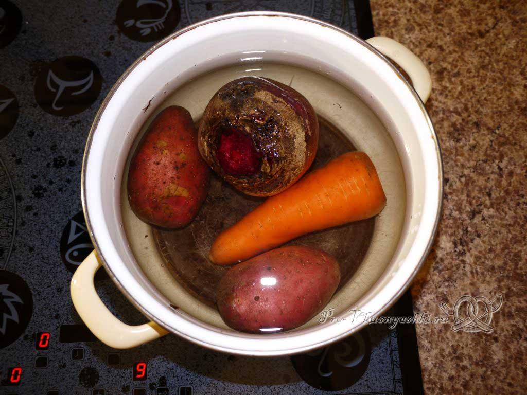 Винегрет с солеными огурцами - готовим картофель, морковь и свеклу