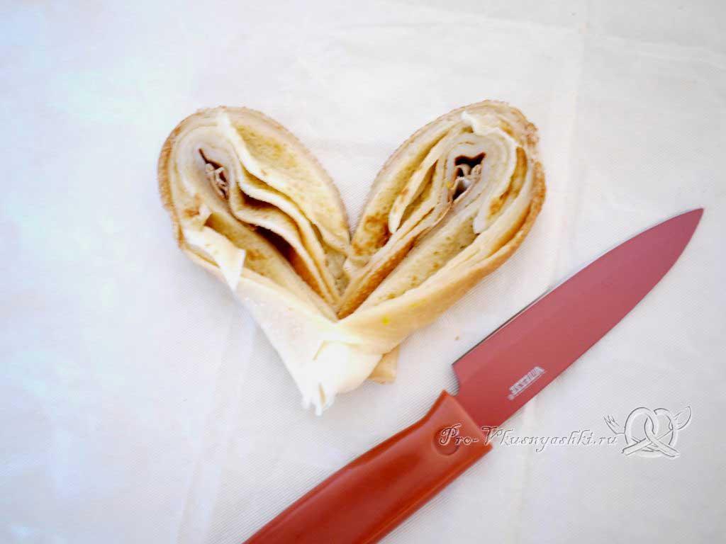 Сердечки из блинов ко дню святого Валентина - формуем сердце