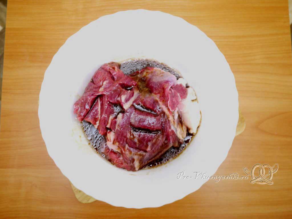 Говядина с черносливом в духовке в фольге - маринуем мясо