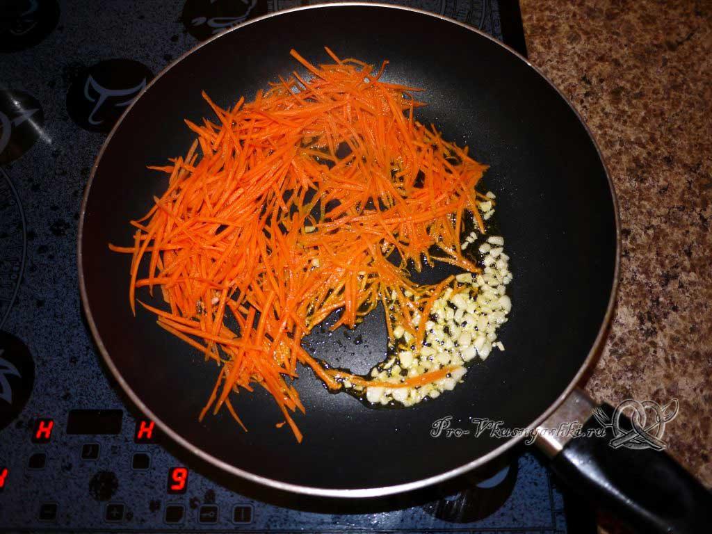 Рис с морепродуктами (Паэлья) - обжариваем овощи