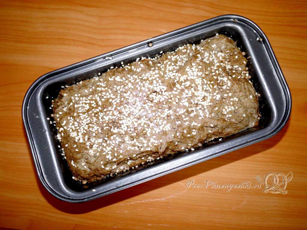 Бородинский хлеб в духовке - посыпаем семечками