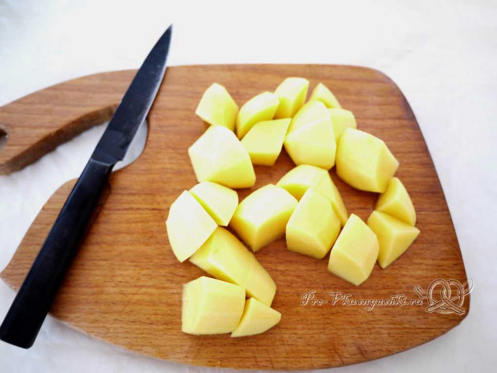 Постный овощной суп - нарезаем картофель