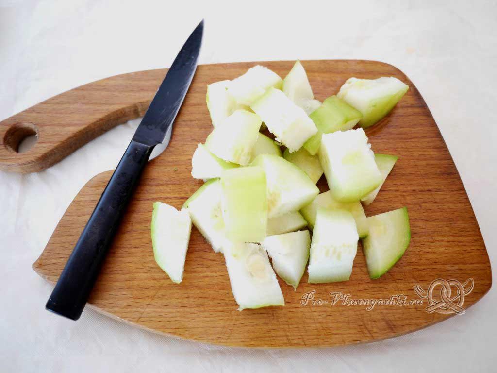 Постный овощной суп - нарезаем кабачки