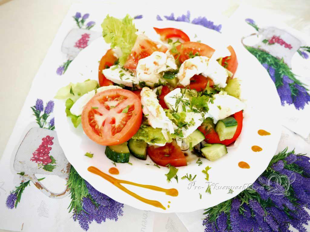 Овощной салат с креветками и сыром - салат