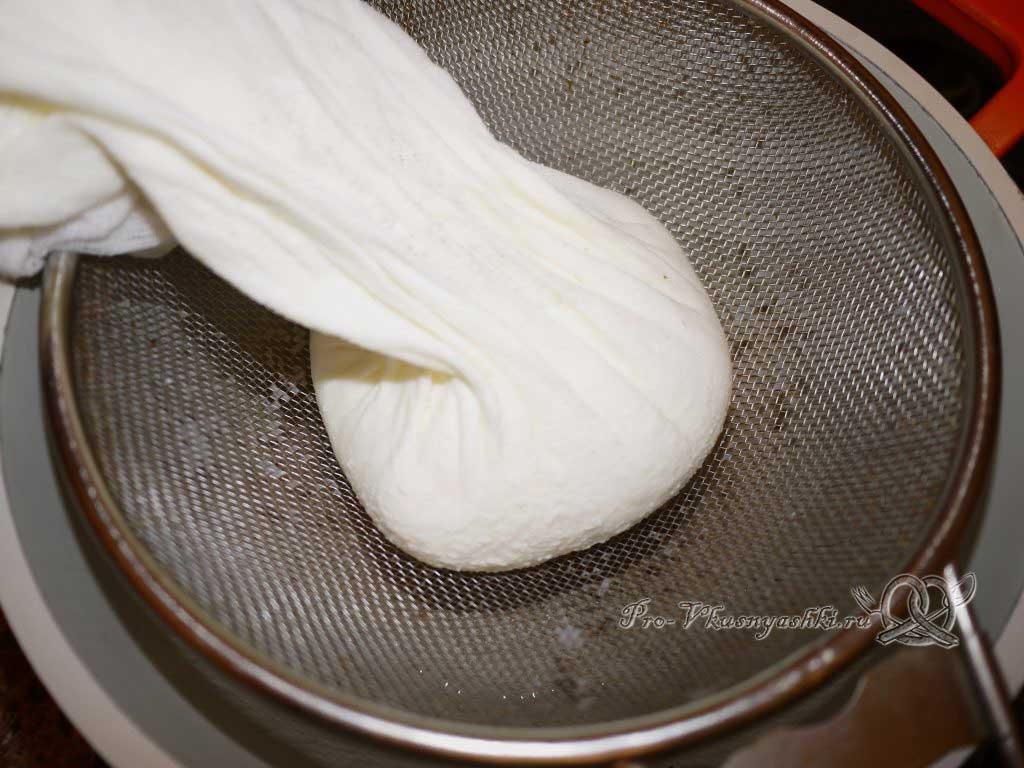 Сыр из молока и сыворотки в домашних условиях - отжимаем сыр