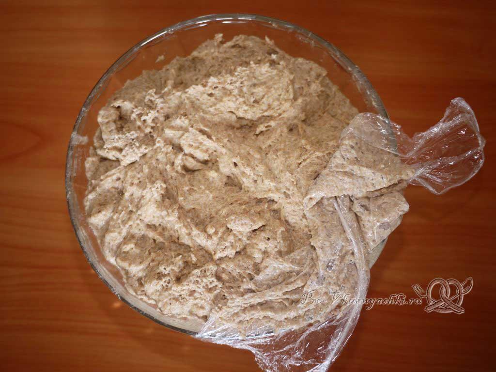 Постный цельнозерновой хлеб - тесто поднялось