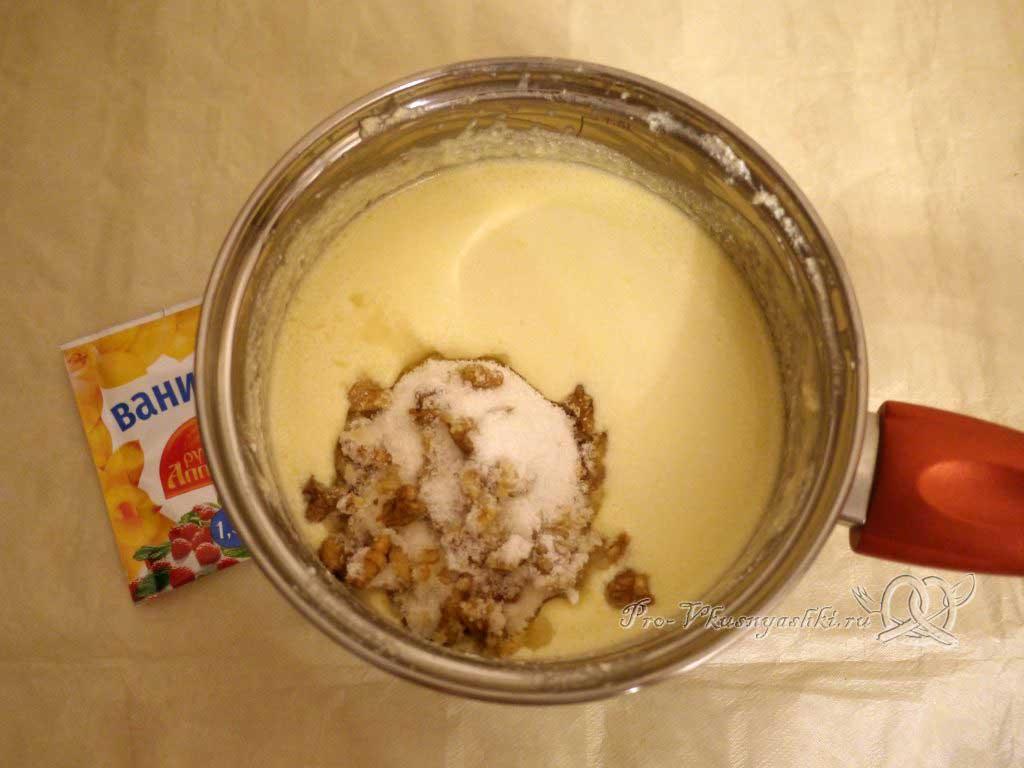 Заварная творожная Пасха - добавляем орехи и сахар