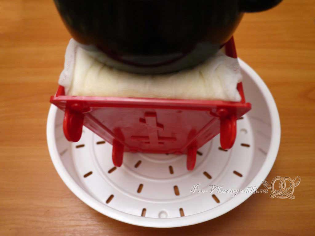 Королевская Пасха из молока - ставим гнет