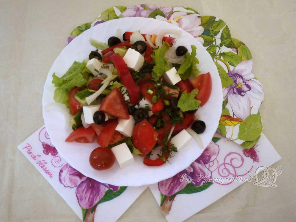 Греческий салат в домашних условиях - подача