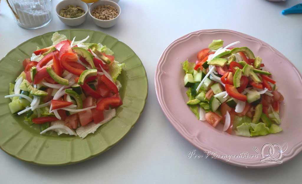Легкий салат с медово-горчичной заправкой - режем помидоры и огурцы