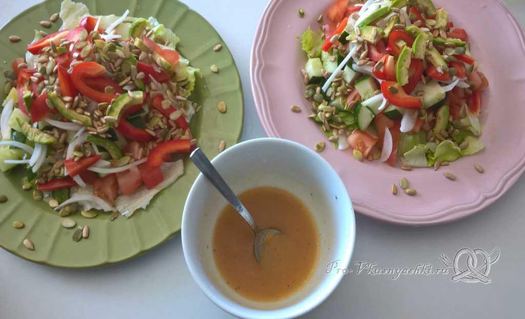Легкий салат с медово-горчичной заправкой - заправка готова