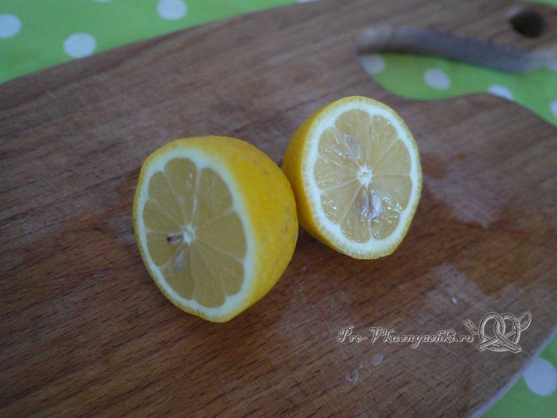 Шашлык из свинины, маринованный в лимонном соке - режем лимон пополам