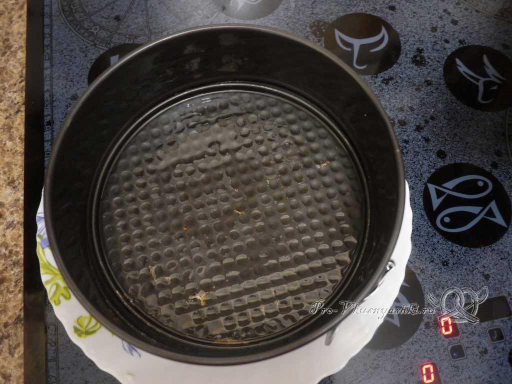 Домашний твердый сыр - смазываем форму