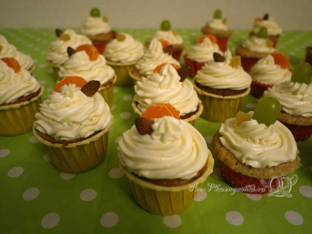 Капкейки с кремом чиз на сливках - добавляем к капкейкам фрукты и орехи
