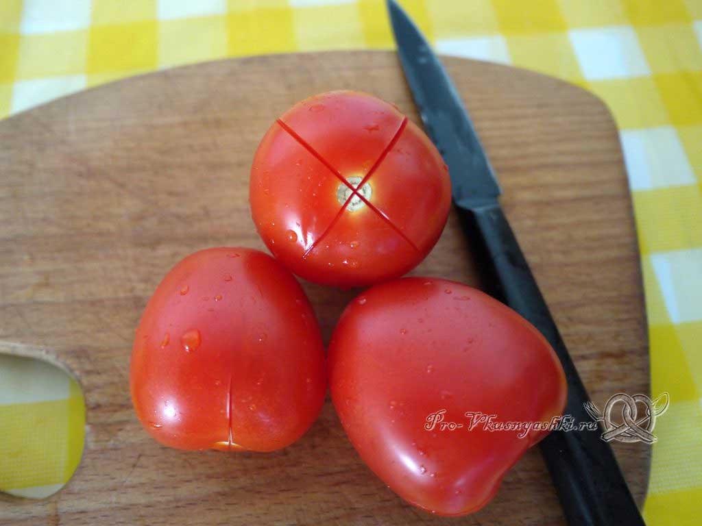 Лазанья с фаршем и белым соусом - делаем разрез на помидорах