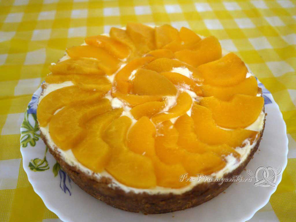 Нежный творожный чизкейк с персиками - готовое блюдо