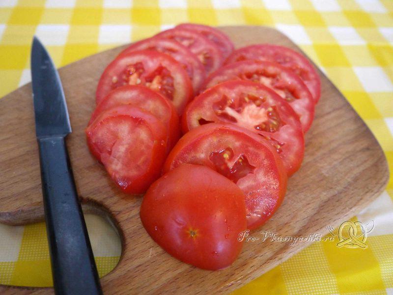 Пицца Маргарита в духовке - нарезаем помидоры