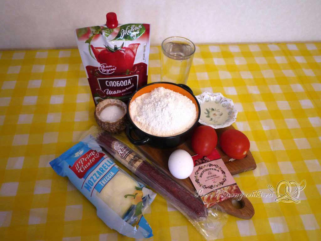 Пицца с помидорами и сырокопченой колбасой - ингредиенты