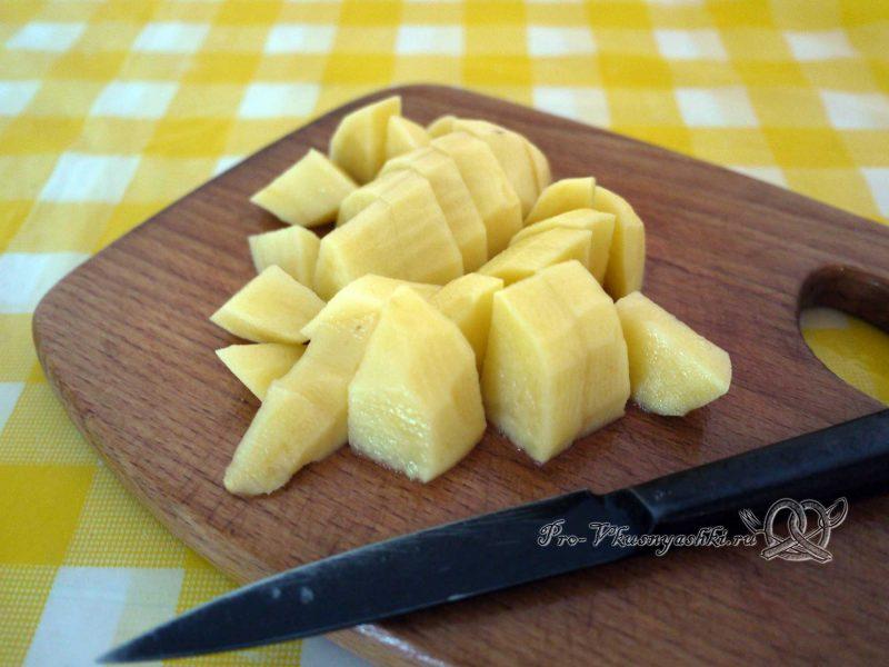 Борщ с ботвой - нарезаем картофель
